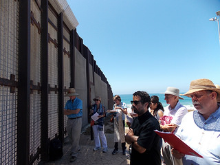 Faith Leaders Pray for Central American Children on Both Sides of Border Fence